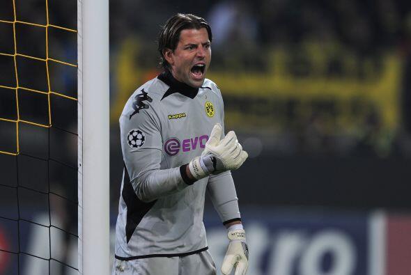 Mantuvo su arco intacto en la gran victoria de su equipo el Borussia Dor...