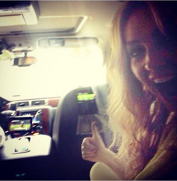 """En el carro en pleno tráficoooo! Pero celebrandooooo!!! Vamos Méxicoooo..."