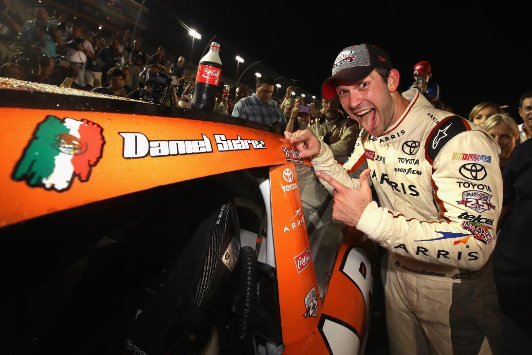 La fiesta mexicana de Daniel Suárez como campeón en un serial NASCAR Get...
