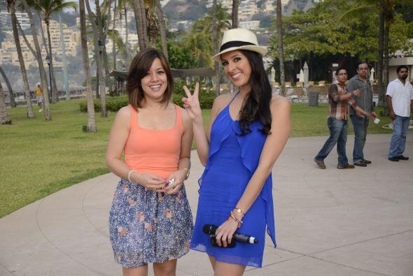 Captamos a Maity muy guapa en un vestido azul.