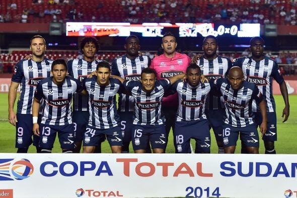 28. Emelec es el único equipo de  Ecuador  que aparece en la lista con 6...