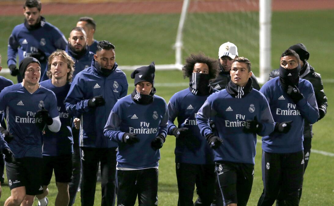 Frío y buen ánimo en práctica de Real Madrid para final de Mundial de Cl...