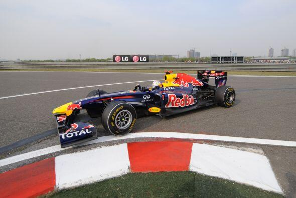 Sebastian Vettel tuvo una carrera casi perfecta, pero Hamilton lo superó...