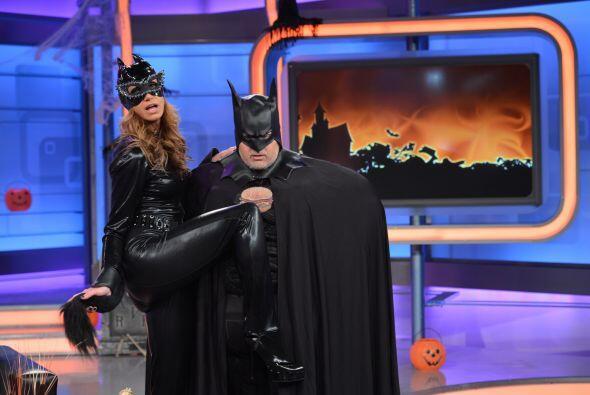 """Lili se convirtió en una sexy Catwoman, mientras que Raúl fue el """"Hombre..."""