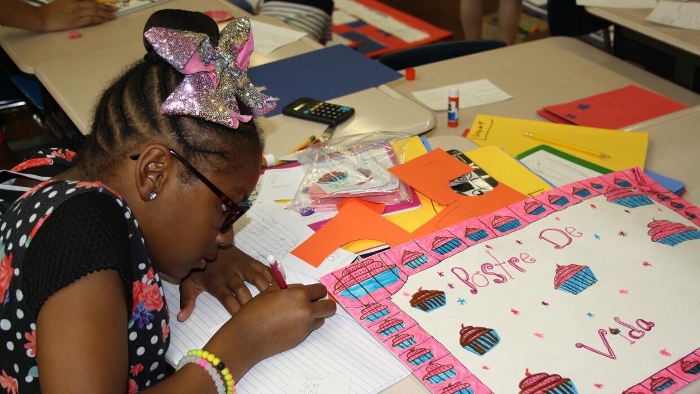 En la Escuela Bilingüe Oyster-Adams en Washington DC, 60% de los estudia...