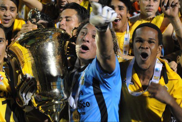 El 2010 trajo momentos muy especiales para el fútbol centroamericano y q...