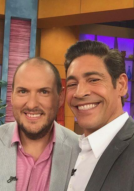 """Un placer tener en @despiertaameric a @soyandresparra"", dijo Johnny Loz..."