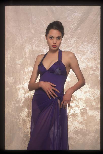 Él le hizo a Angelina este portafolio de imágenes.