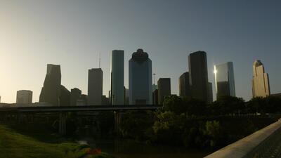 Una noche despejada y con temperaturas frescas tendrá Houston durante este lunes