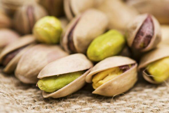 Pistachos: grasos pero sanos. Los pistachos contienen grasa, pero de dos...