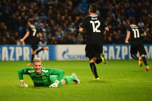 El equipo checo estaba sorprendiendo en el estadio Etihad, pues hasta en...