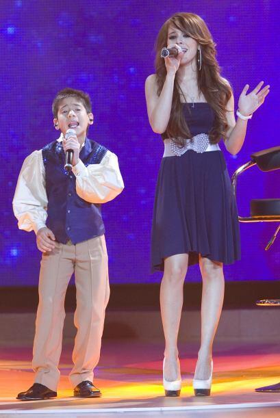 La cantante juvenil y Hiroshi hicieron un dueto muy bueno que le valió u...