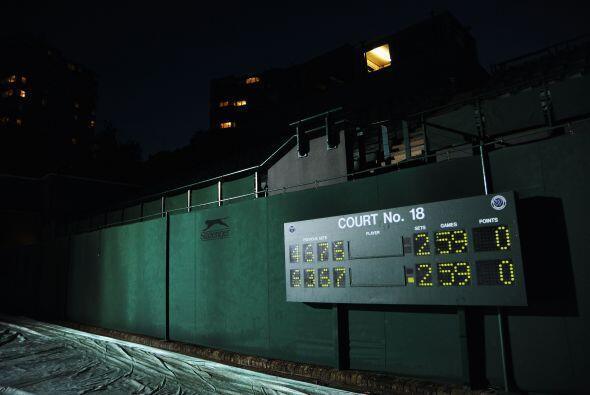 El juego tuvo que suspenderse dos días por falta de luz.
