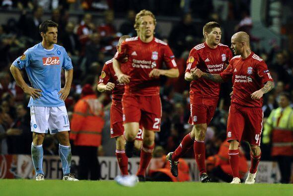 Gerrard logró el empate a falta de 15 minutos para el final del duelo.