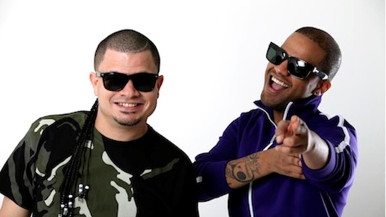 Este dúo se encuentra promocionando su sencillo titulado 'Lo Que Quiero'