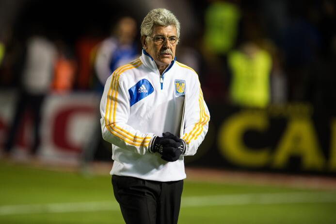 El 'Tuca' busca mejorar su récord ante las Chivas