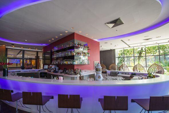 Un bar para los momentos sociales, seguramente sin alcohol.