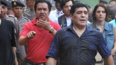 """Diego Maradona comenzó en Buenos Aires su nueva función como DT """"emérito..."""