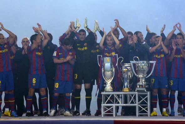 El Barcelona comenzó el año festejando por sus 6 trofeos conseguidos en...