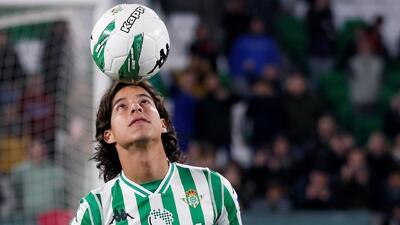 ¿De una vez la caldera o lo esperamos? Análisis de cuándo debería debutar Diego Lainez con el Betis
