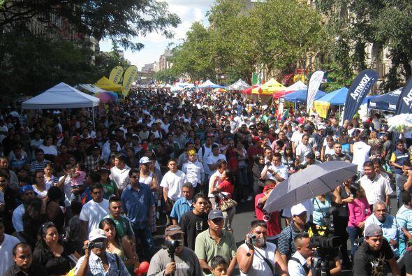En las últimas décadas la comunidad mexicana se ha vuelto una de las com...