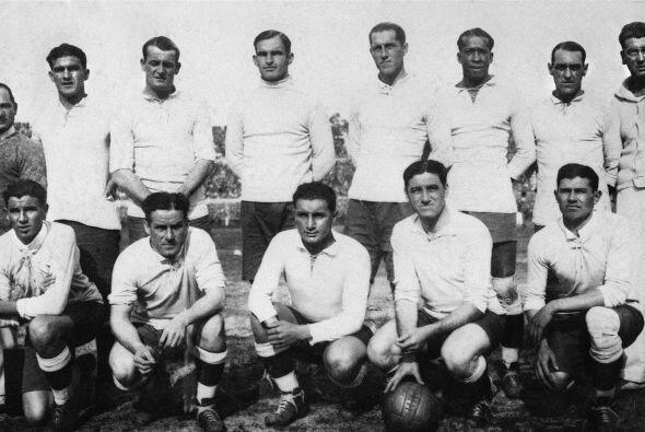 En 1943, los equipos se enfrentaron nuevamente y  en las semifinales de...