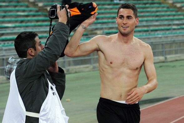 Al final la Roma vino de atrás y con gol de Aleandro Rosi de último minu...
