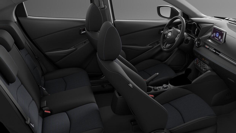 La cabina del Scion iA 2016 es elegante y sobre todo muy Mazda