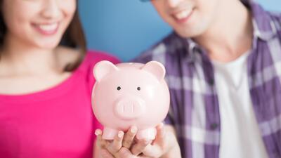 Cómo saber si eres financieramente compatible con tu pareja según el zodiaco
