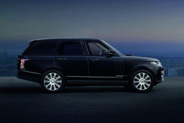 Además, el Range Rover Sentinel posee cristales blindados, un sistema de...