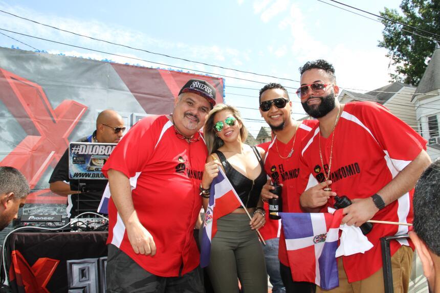 Celebra La X en el Desfile Dominicano en NJ IMG_1891.JPG