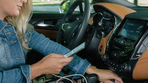 Apple CarPlay o Android Auto