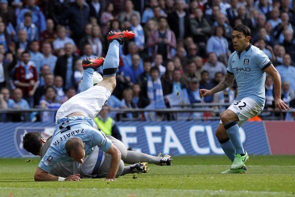 La defensa del Wigan respondió bien y aguantó la presión.