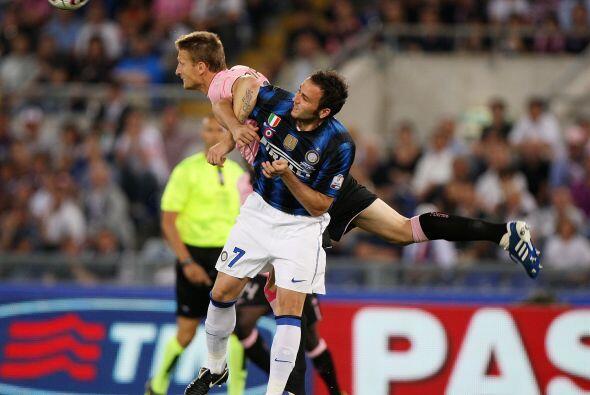 Palermo intentaba destruir cada avance del rival, sin proponer mucho al...