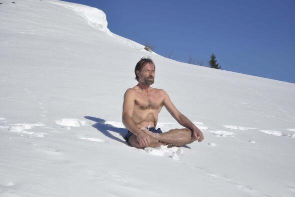 Con su mente logra controlar la sensibilidad de su cuerpo al frío.