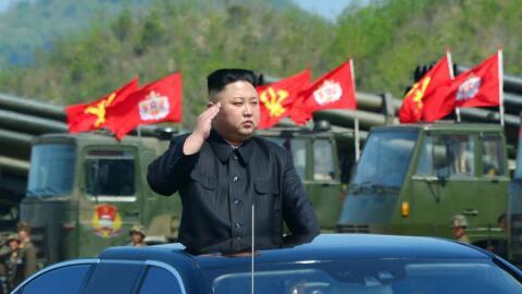 Kim Jong Un sigue ordenando pruebas de misiles balísticos pese a...