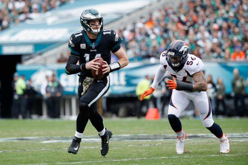 Los Eagles propinan paliza a Broncos y están imponentes en la NFL carson...