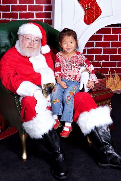 No es necesario sentarlo en el regazo de Santa Claus. Puede que sea dema...