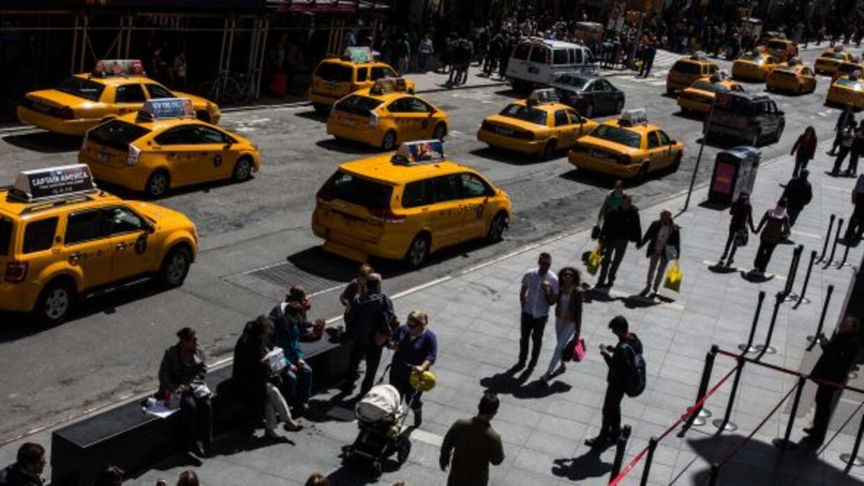 Uber es una app que está causando mucha molestia a los taxistas de disti...