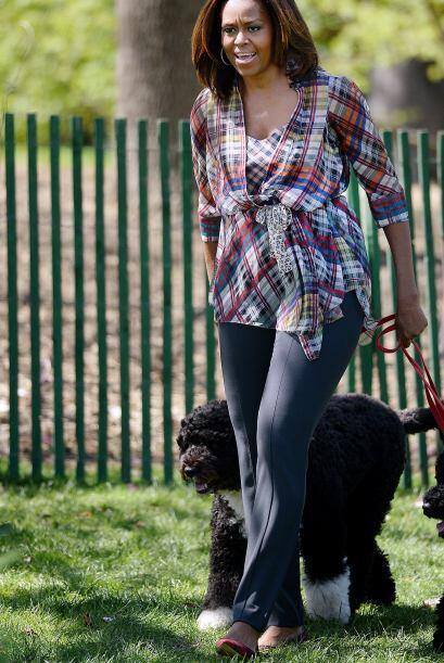 Michelle llegó con un atuendo muy casual y escoltada por los ejemplares...