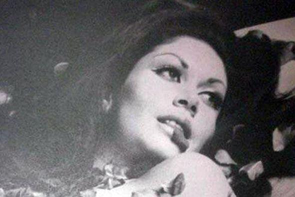 En 1960 su padre, Guillermo Lepe, asesinó a balazos a su novio y prometi...