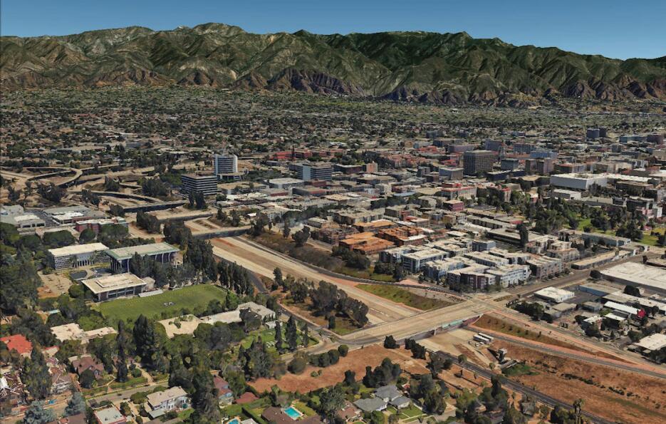 La Ruta 710 en Pasadena, California. Cinco ciudades que la comparten est...