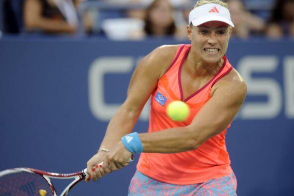 Kerber, de 23 años, primera jugadora alemana que disputaba una semifinal...