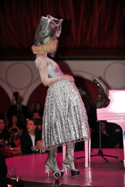 El mejor disfraz de Lady Gaga 2db498f411334d7faf0e28761c90dda7.jpg