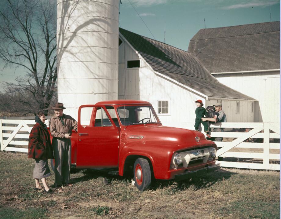La camioneta pickup cumple su primer siglo 1954-Ford-F100-pickup-truck-C...