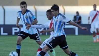 Ángel Correa y Giovanni Simeone.