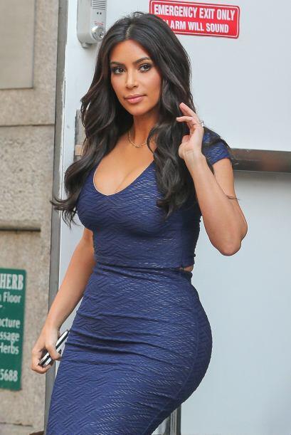 Hace unos días la mujer de Kanye West nos sorprendió con una cabellera r...