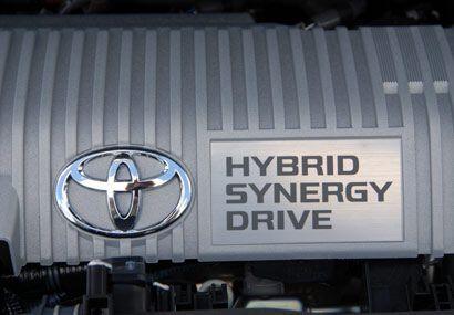 El motor de gasolina es de 1.8 litros con 98 caballos de fuerza y con el...