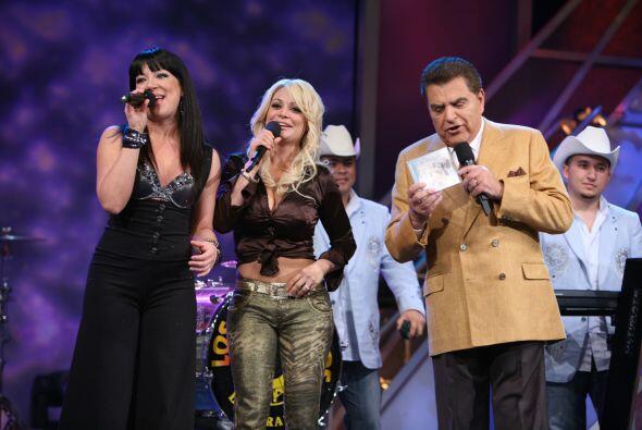 Vicky y Marisol Terrazas también estuvieron de visita en Sábado Gigante.