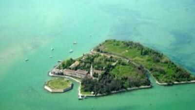 En Venecia se niegan a la privatización de la llamada la Isla de los Mue...